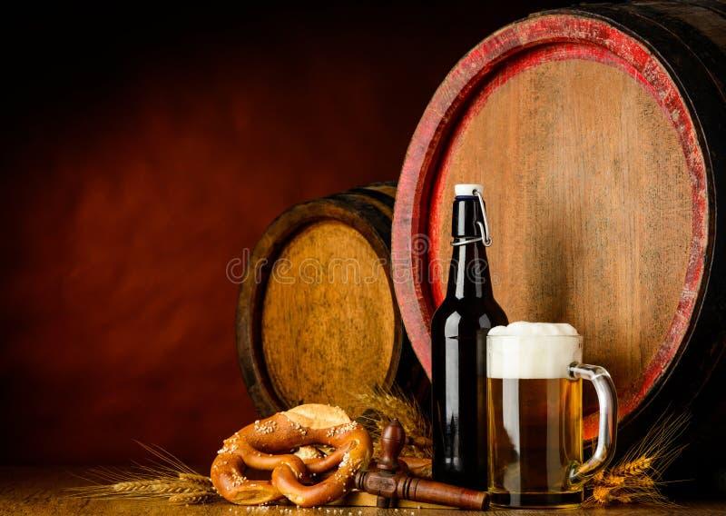 Bier en vat stock fotografie