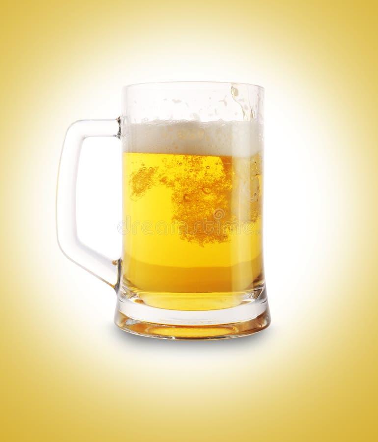 Bier im Glas stockbilder