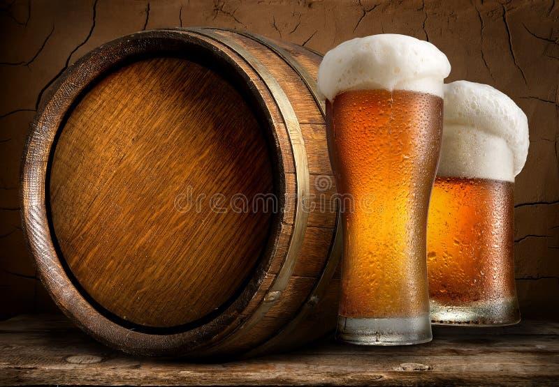 Bier in kelder stock afbeelding