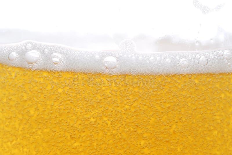 Bier met bellen royalty-vrije stock afbeelding