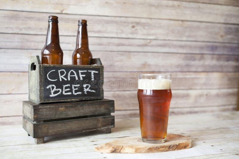 Bier-Probieren stockfotos