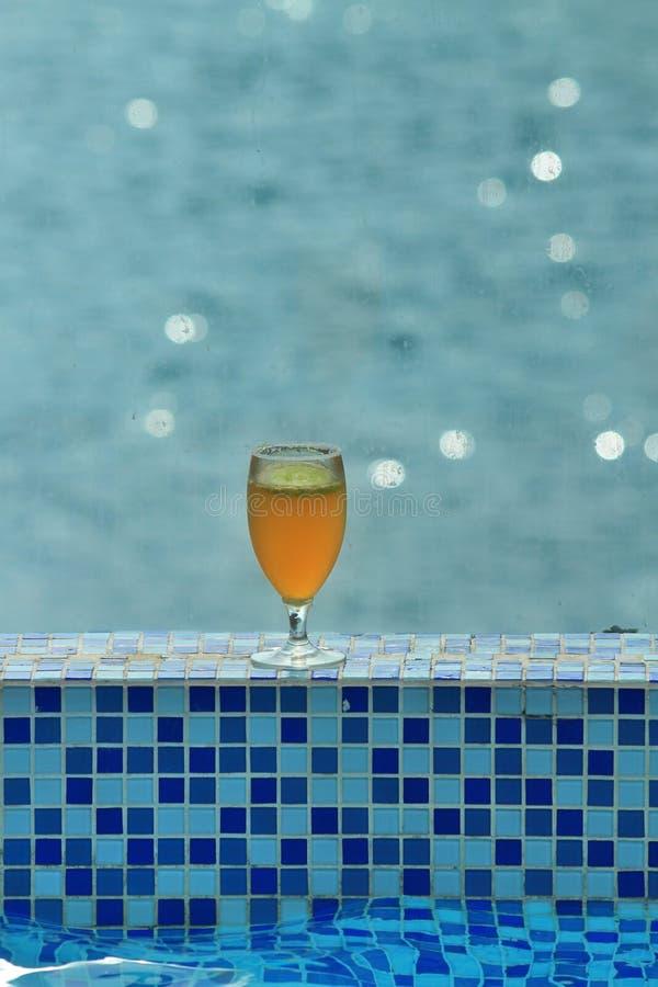 Bier u. entspannen sich stockfoto