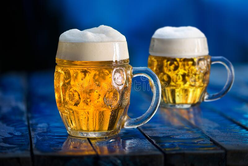 Bierbrille lizenzfreie stockfotografie