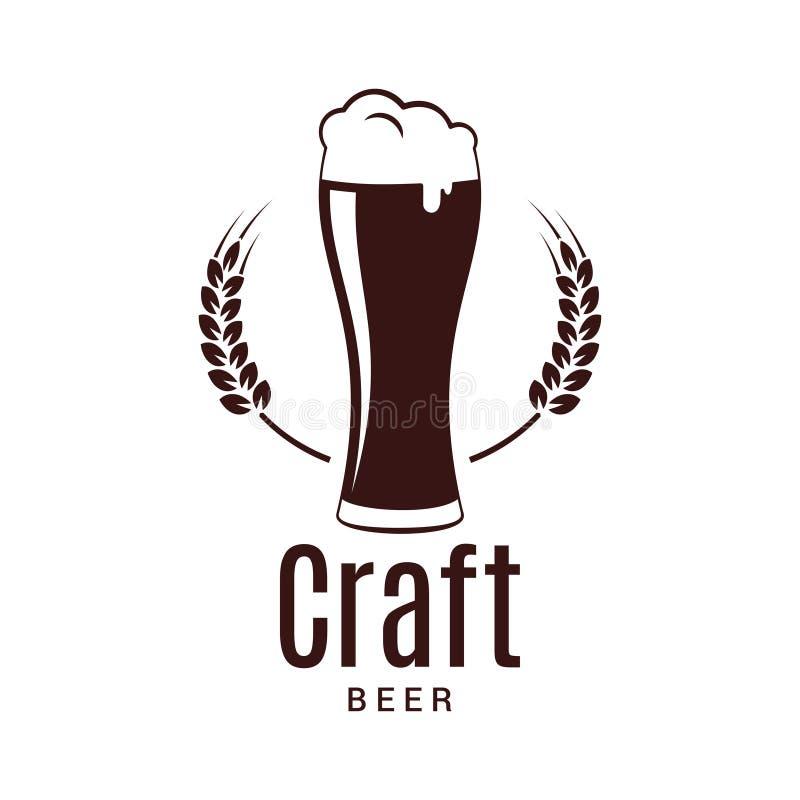 Bierglas mit Weizenlogo Handwerksbrauereidesign auf weißem Hintergrund lizenzfreie abbildung