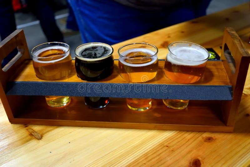 Bierproeveringsvluchten stock foto's