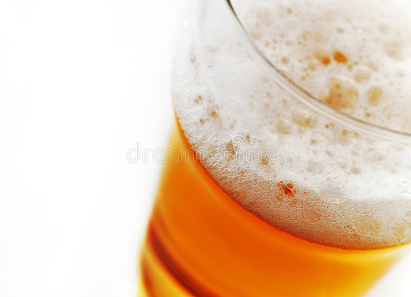 Bierschaumgummi lizenzfreie stockbilder