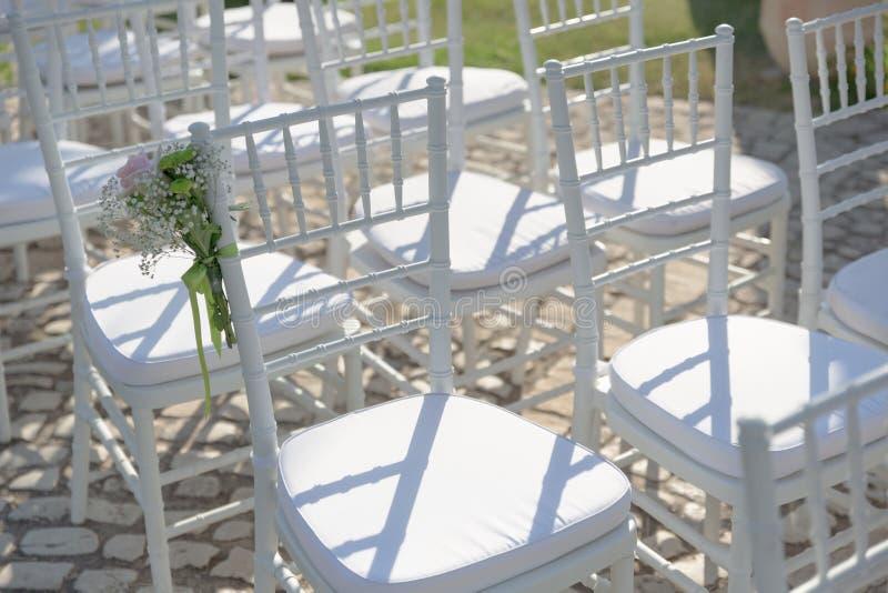 Bierze twój siedzi ślubu początek i pozwala! obraz royalty free