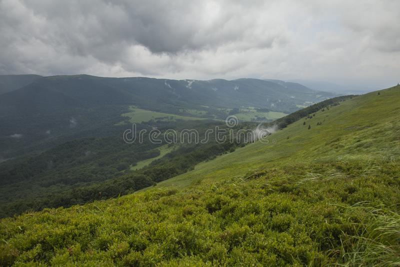 Bieszczady山,南部波兰,欧洲-一个风雨如磐的夏日 免版税库存图片