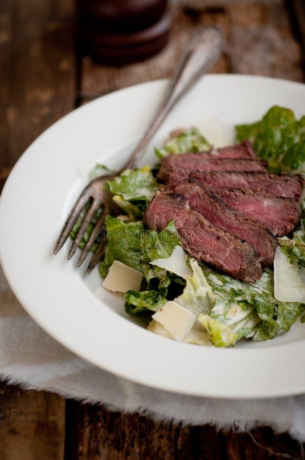 Bife Caesar Salad imagem de stock royalty free