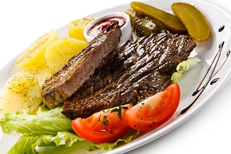 Bife de carne grelhado imagens de stock