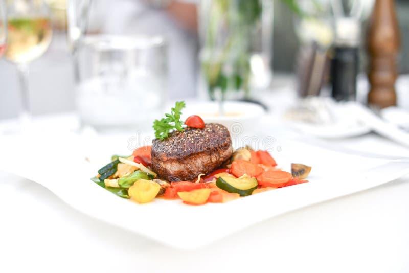 Bife de pimenta francês imagem de stock