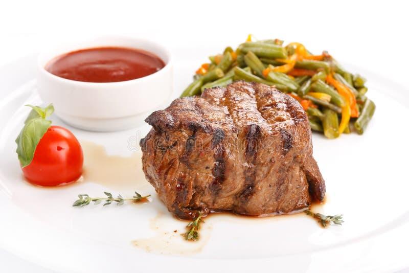 Bife grelhado com vegetais imagem de stock royalty free