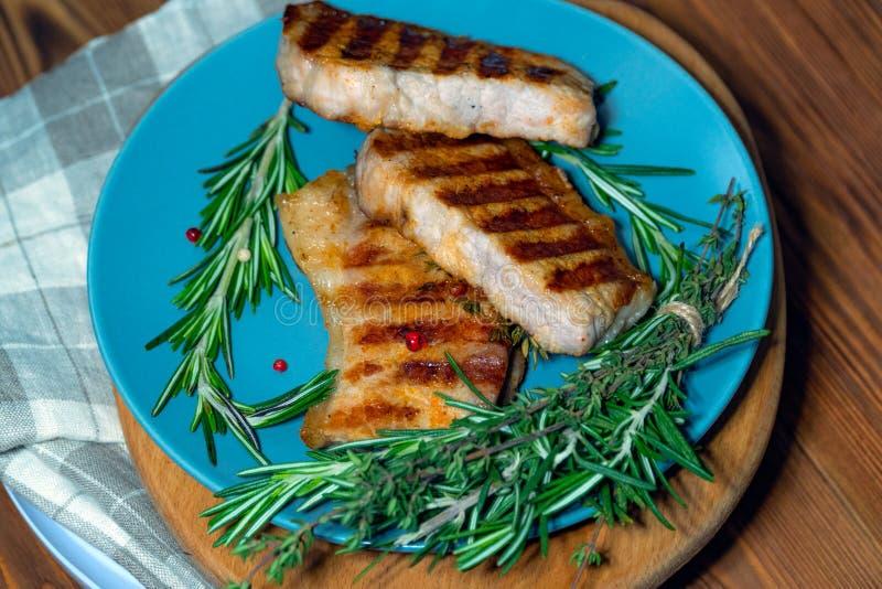 Bife grelhado fresco A carne cozinhada quente imagem de stock royalty free