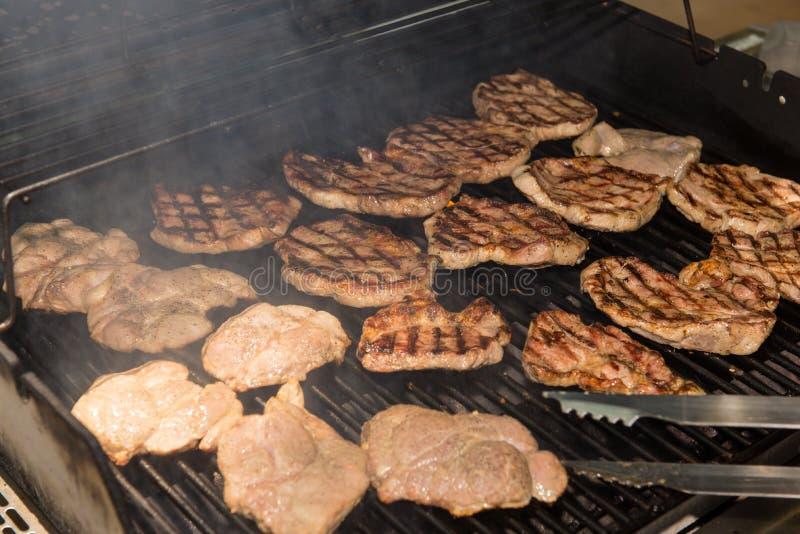 Bifes da carne de porco do churrasco foto de stock royalty free