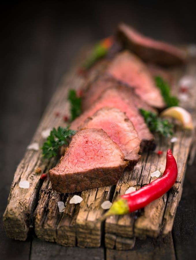 Bifes grelhados da carne fotografia de stock royalty free