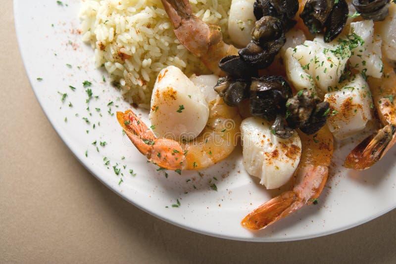 Bifteck, crevettes et riz photographie stock libre de droits