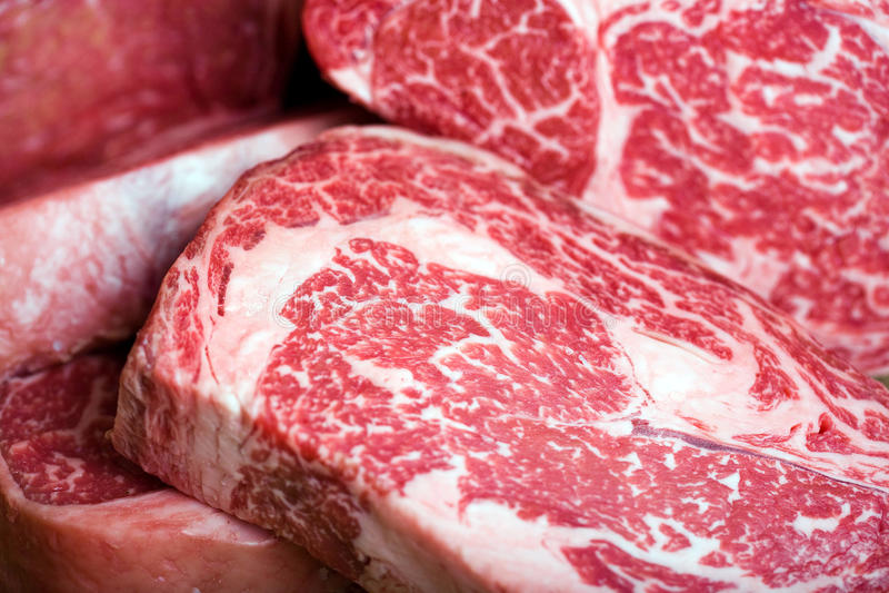 Bifteck de boeuf cru photos libres de droits