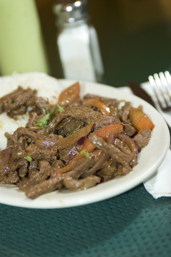 Bifteck de Péruviens de saltado de Lomo photos stock
