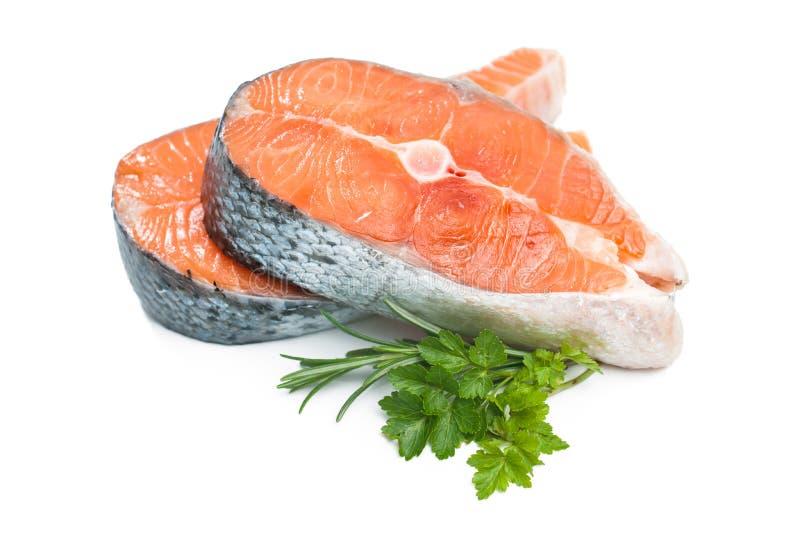 Bifteck de poissons saumoné cru frais images libres de droits