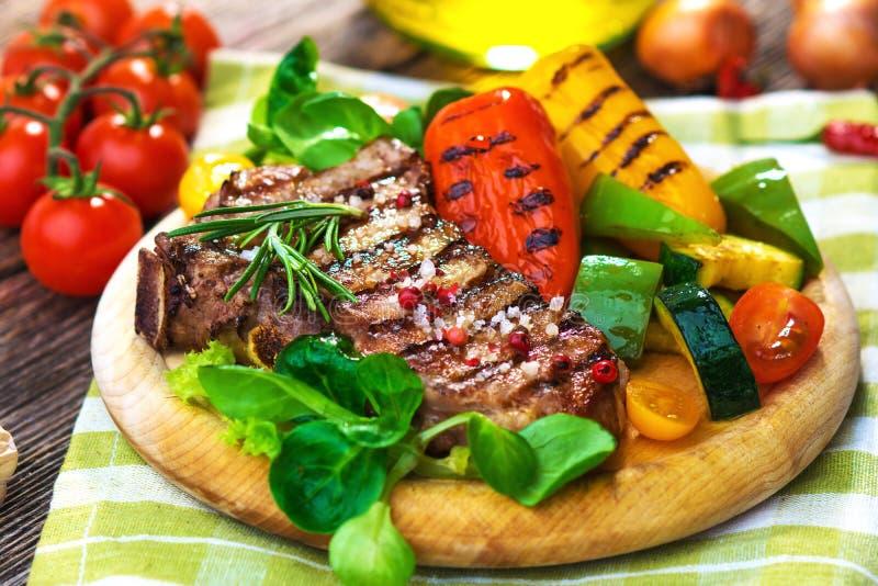 Bifteck grillé de veau photographie stock