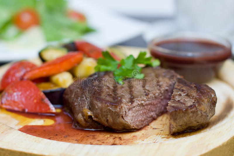 Bifteck - nourriture gastronome de restaurant images libres de droits