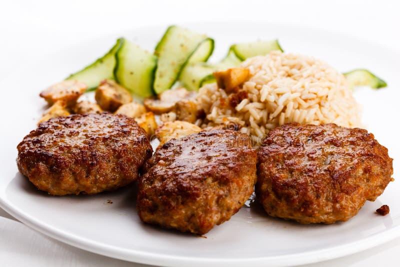 Biftecks grillés image libre de droits