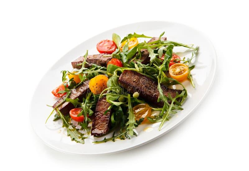 Bifteks grillés avec des légumes photographie stock