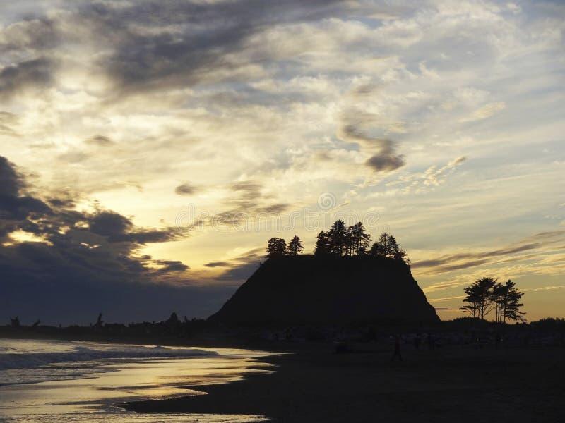 Bifurcaciones - paisaje crepuscular de la película imagenes de archivo