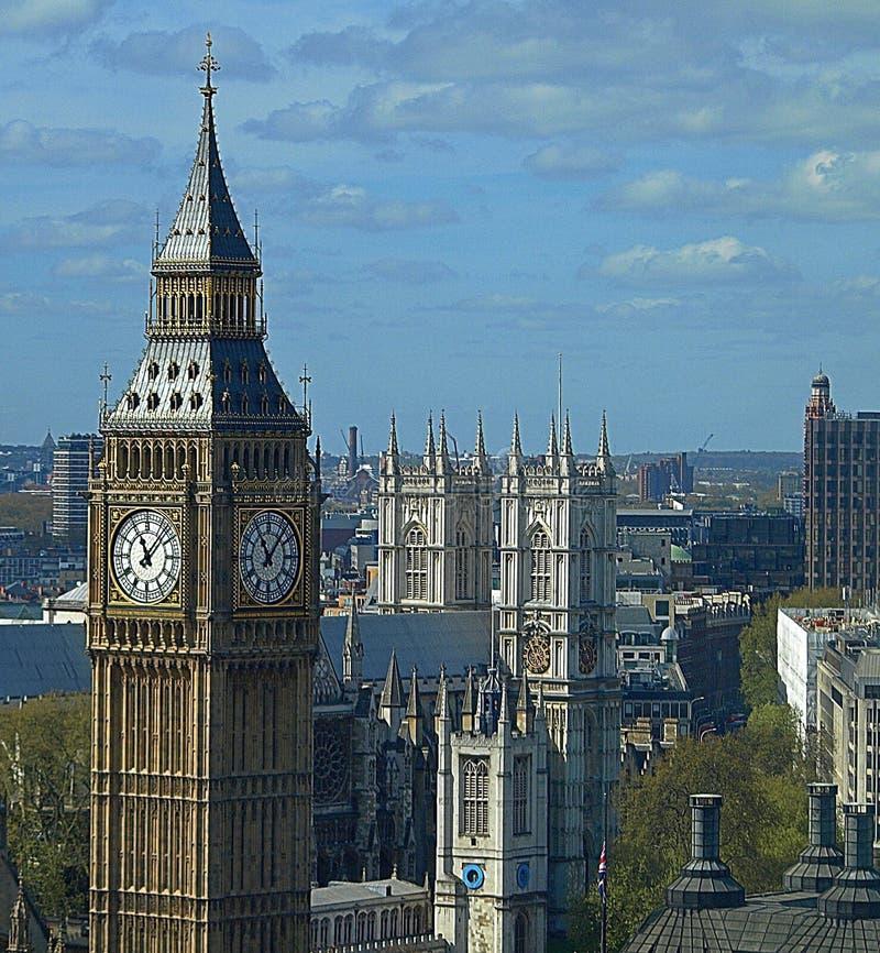 Big Ben και η πόλη του Λονδίνου στοκ εικόνα