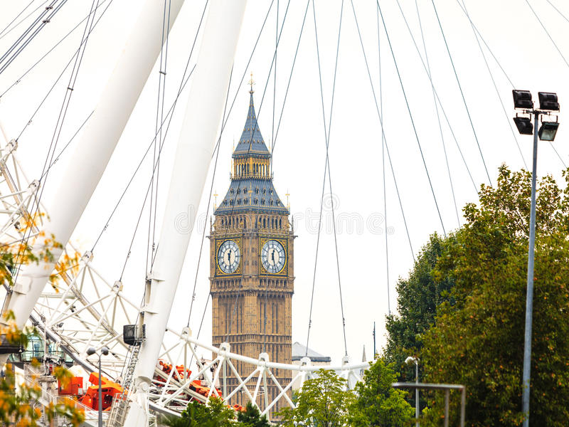 Big Ben através do olho Inglaterra Reino Unido de Londres imagem de stock