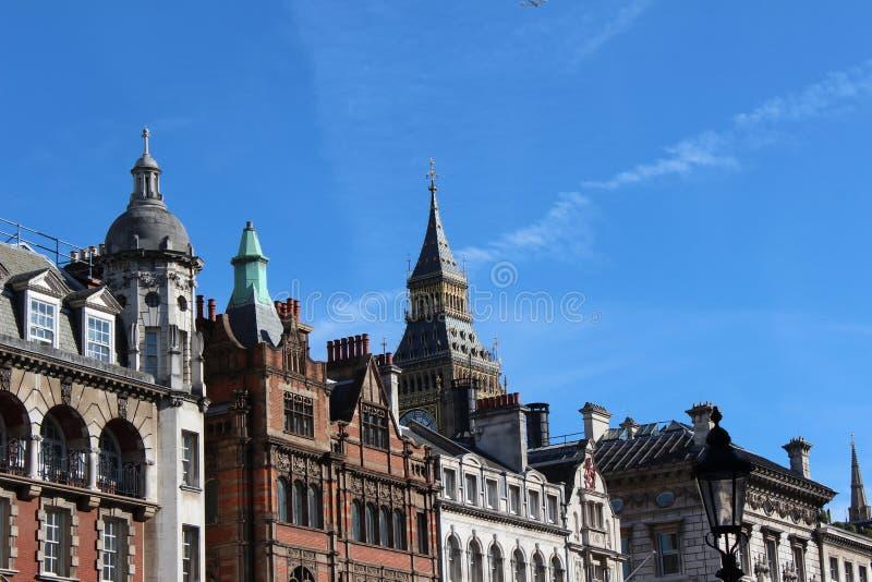Download Big Ben Behind The Parlament Building Stock Image - Image: 26579607