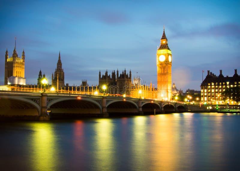 Big Ben bis zum Nacht stockfoto
