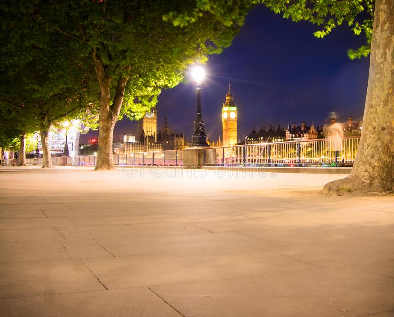 Big Ben in der Nacht lizenzfreie stockbilder