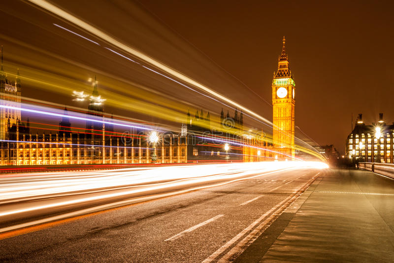 Big Ben e fuga de luzes fotografia de stock