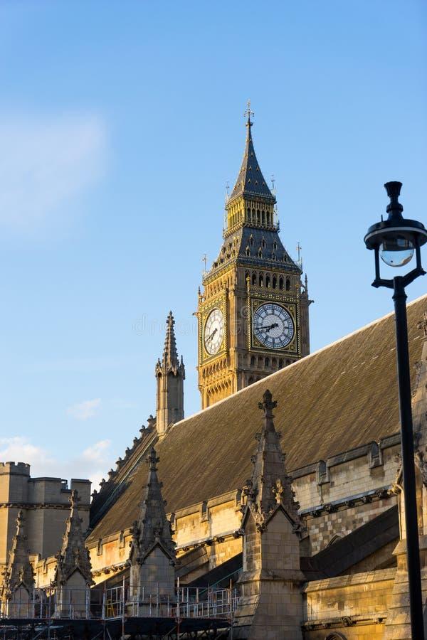 Big Ben en de abdij van Westminster in Londen, Engeland stock afbeeldingen
