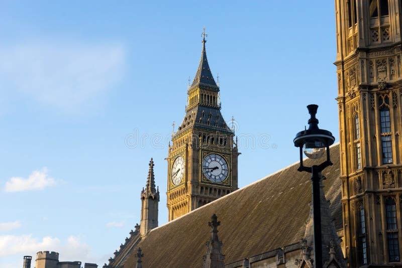 Big Ben en de abdij van Westminster in Londen, Engeland royalty-vrije stock fotografie