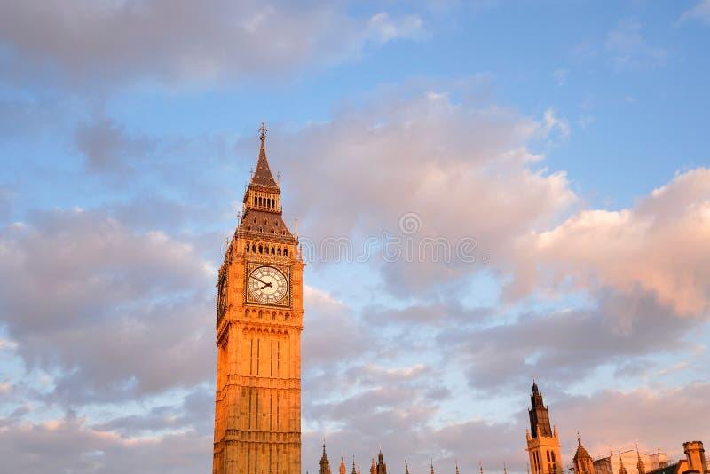 Big Ben en de abdij van Westminster in Londen, Engeland stock foto's