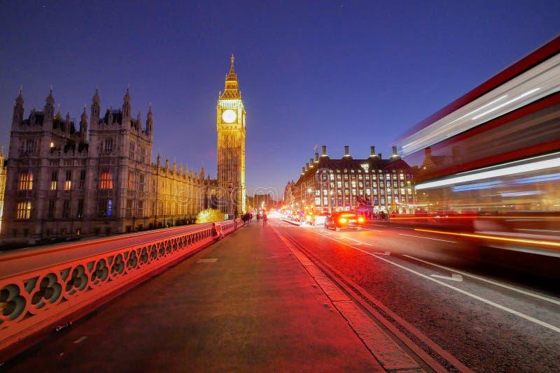 Big Ben en de abdij van Westminster in Londen, Engeland royalty-vrije stock afbeeldingen