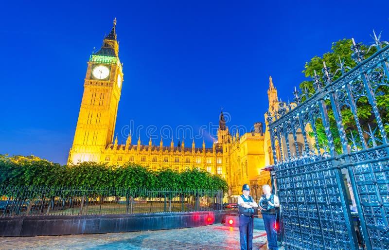 Big Ben en het Paleiskleuren van Westminster bij zonsondergang, Londen royalty-vrije stock foto