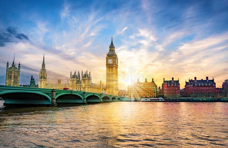 Big Ben en Stad van de Abdij van Westminster in Londen royalty-vrije stock fotografie