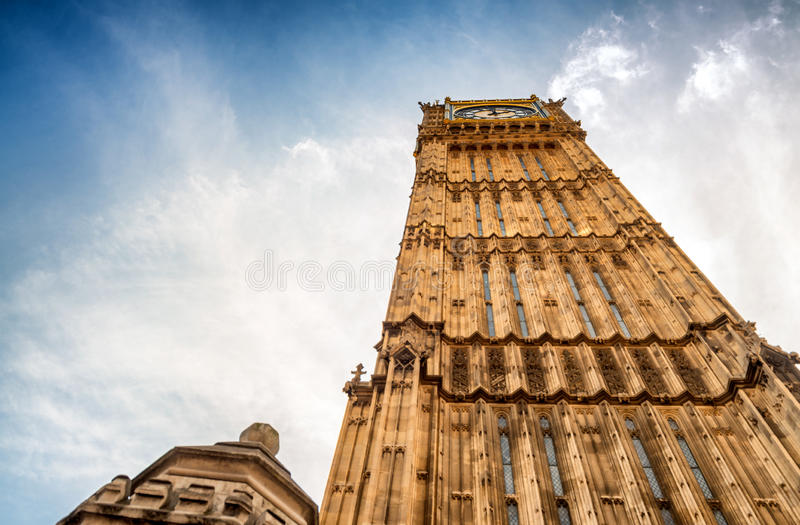 Big Ben et Chambres du Parlement - Londres, R-U photographie stock libre de droits