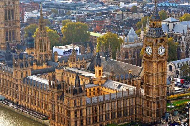 Big Ben et Chambres du Parlement, Londres, R-U photographie stock