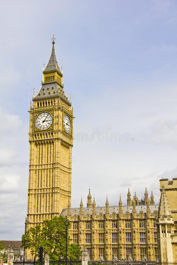 Download Big Ben And The House Of Parliament Stock Photo - Image: 25967260