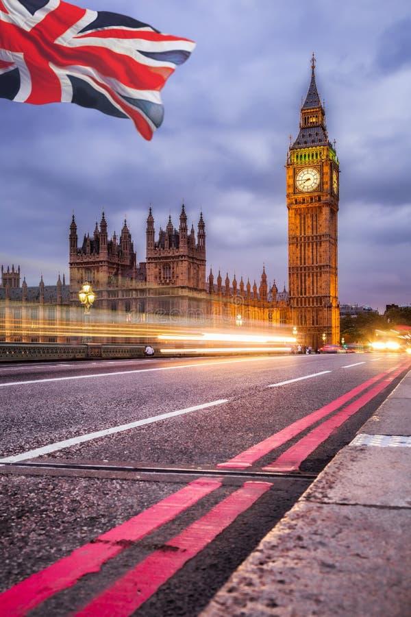 Big Ben i dom parlament przy nocą, Londyn, UK obraz royalty free