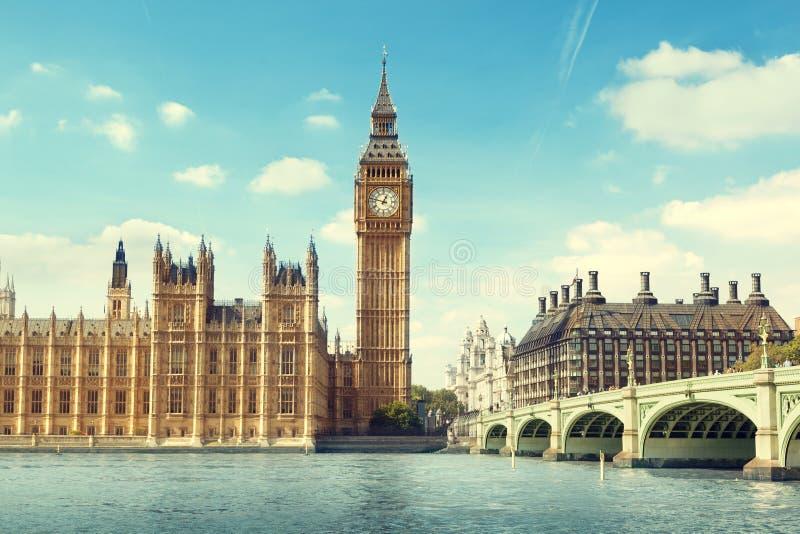 Big Ben i solig dag royaltyfri foto