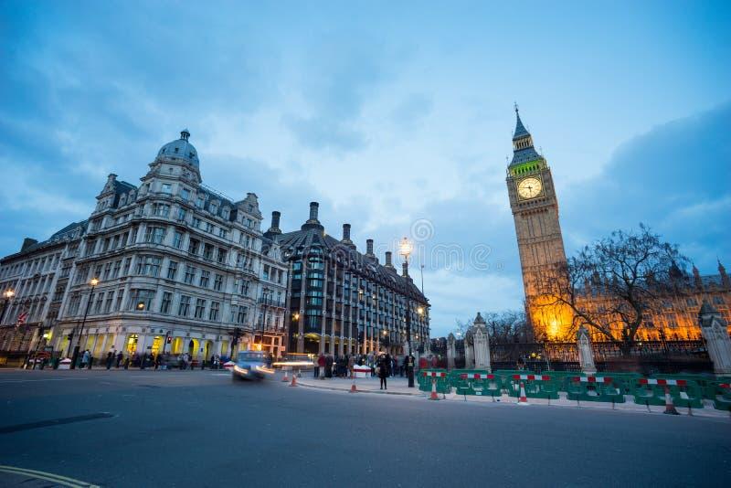 Big Ben i statua Sir Winston Churchill, Londyn, Anglia fotografia stock
