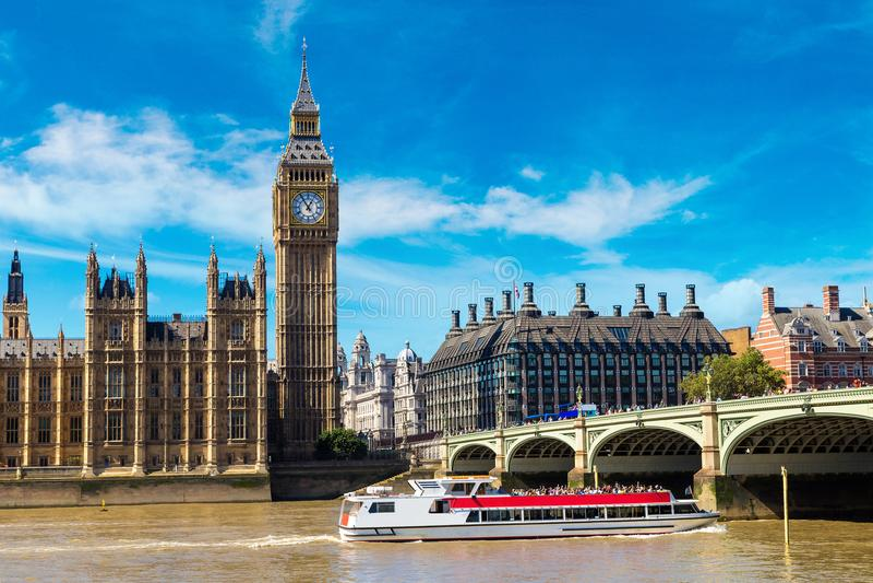 Big Ben, le Parlement, pont de Westminster à Londres images libres de droits