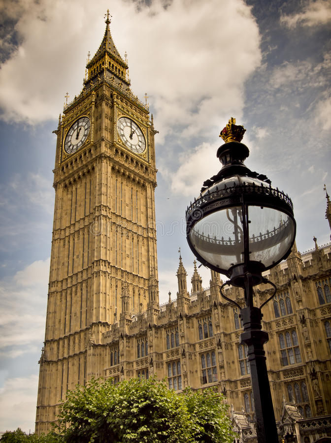 Big Ben, Londres, torre de pulso de disparo fotografia de stock royalty free