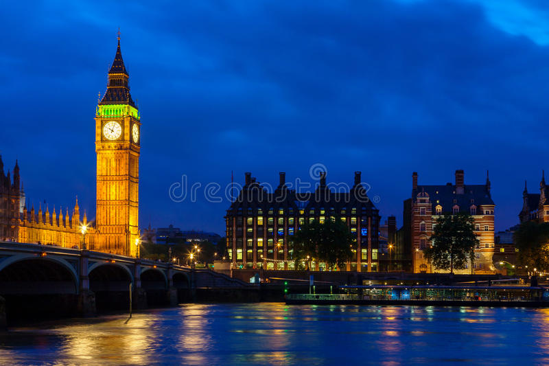 Big Ben nachts. London, England lizenzfreie stockfotos