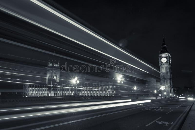 Big Ben, o parlamento & as luzes de rua foto de stock royalty free